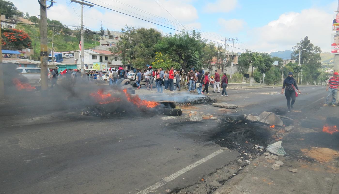 Protesta-salida-norte-049